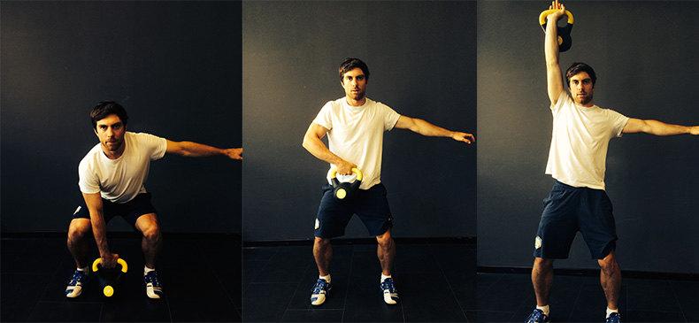 Riccardo Tonetti zeigt Fitness-Übung Snatch