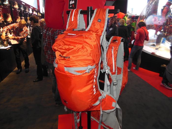Der supermegaleichte Lawinenrucksack Ultralight Removable Airbag von Mammut