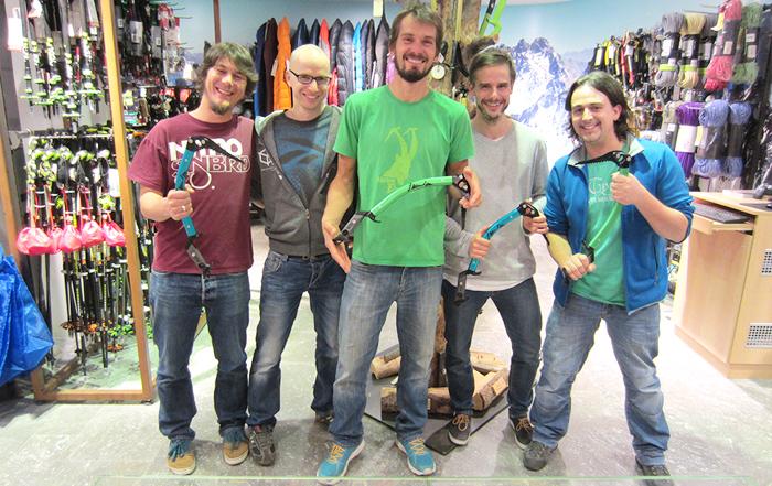 Benni Purner (Mitte) mit den Jungs vom SPORTLER Team