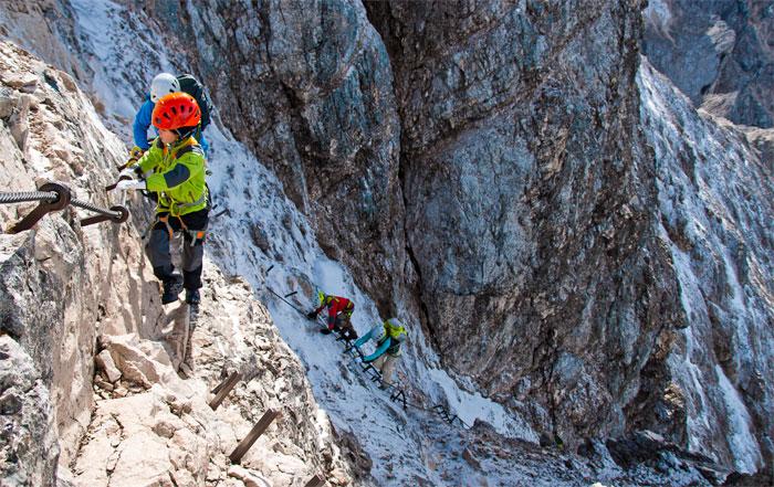 Klettersteige und Kinder, was ist die richtige Ausrüstung?
