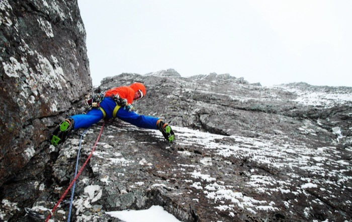 Kletterausrüstung Innsbruck : Kletterer matt helliker kommt nach innsbruck my sportler
